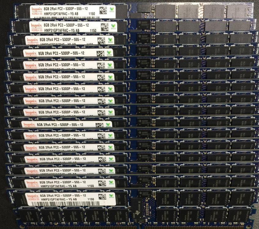 Hunix 8GB 2Rx4 PC2-5300P (HMP31GP7AFR4C - Y5 AB).jpg